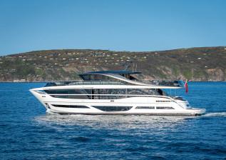 x95-exterior-white-hull-11.jpg