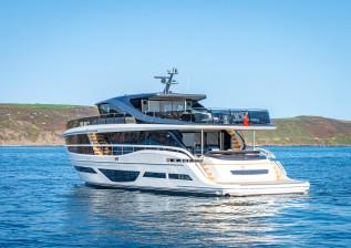 x95-exterior-white-hull-16.jpg