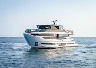 x95-exterior-white-hull-20.jpg