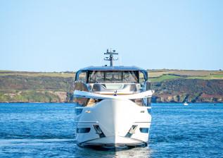 x95-exterior-white-hull-18.jpg