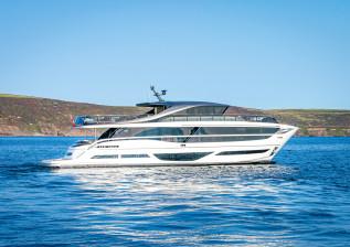 x95-exterior-white-hull-17.jpg