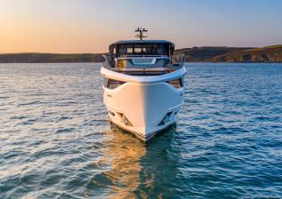 x95-exterior-white-hull-25.jpg