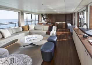 x95-interior-saloon.jpg