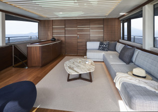 x95-interior-skylounge-2.jpg