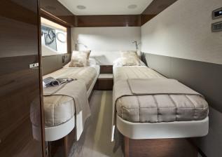 x95-slot-2-interior-starboard-twin.jpg