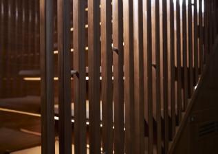 x95-slot-2-interior-stairwell-detail-2.jpg