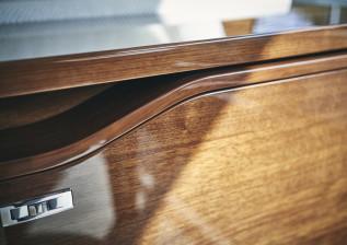 x95-slot-2-interior-detail-15.jpg