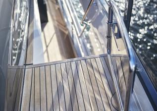 x95-exterior-detail-8.jpg